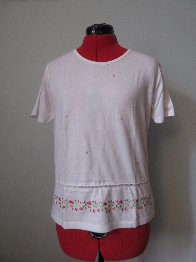 Brand white stag size m white top with floral embroidery and brand white stag size m white top with floral embroidery and sequin flowers mightylinksfo