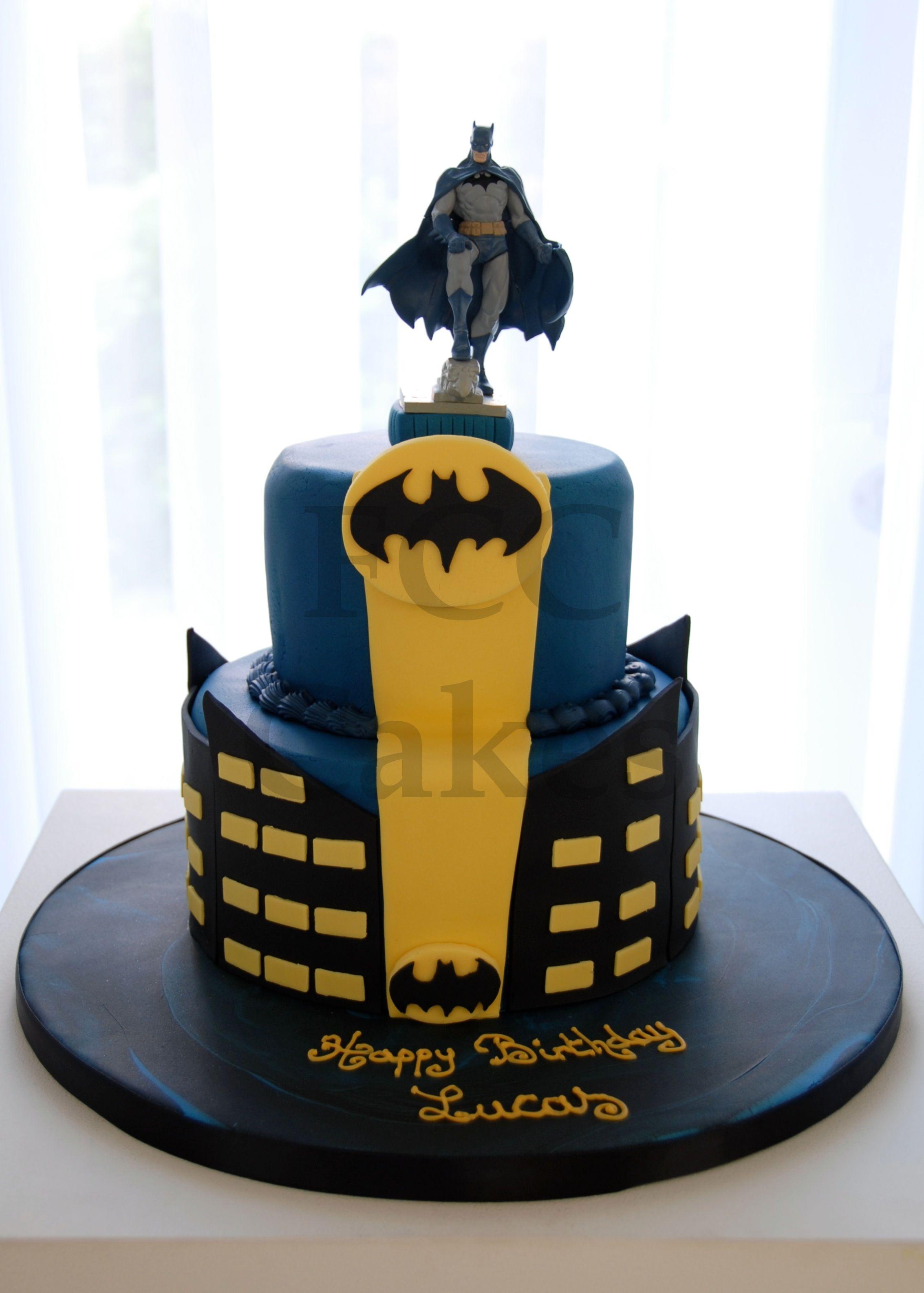 cake for boys batman gateau d 39 anniversaire pour enfants. Black Bedroom Furniture Sets. Home Design Ideas