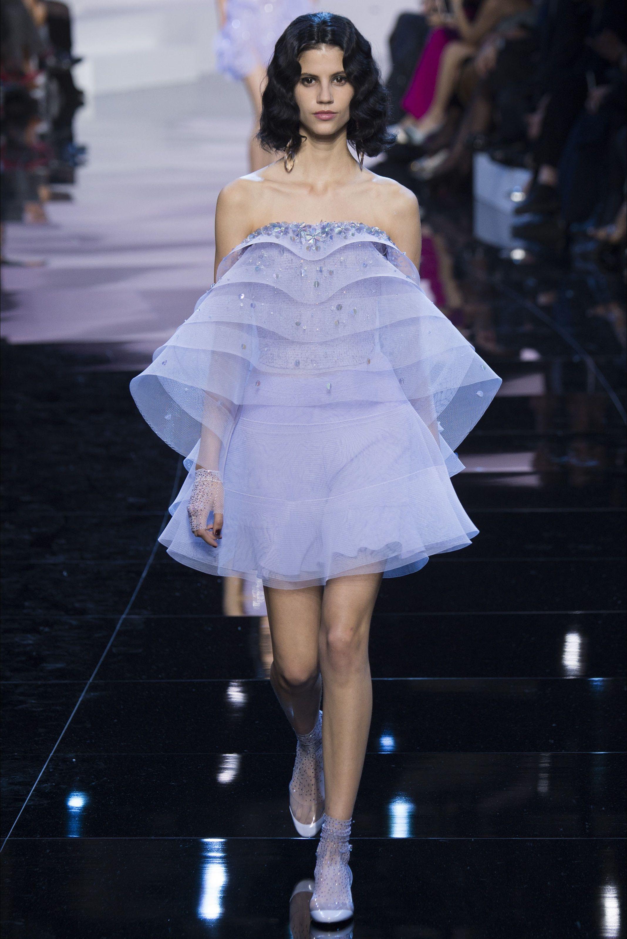 Guarda la sfilata di moda Giorgio Armani Privé a Parigi e scopri la ...