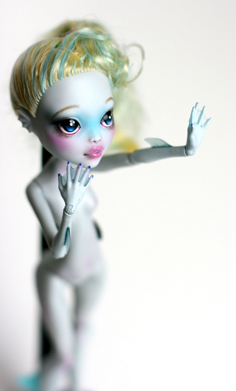 Custom Repaint Monster High Lagoona Blue | monster high | Pinterest ...