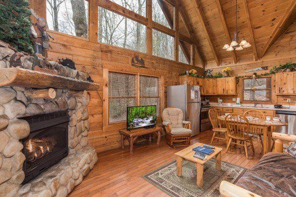 Moose Tracks - Luxury 1 Bedroom Gatlinburg Cabin Rental in