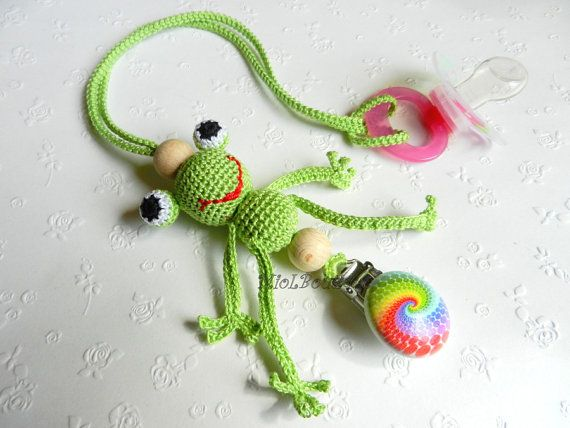 Pacifier holder FROG paci holder Crochet Pacifier by MioLBoutique