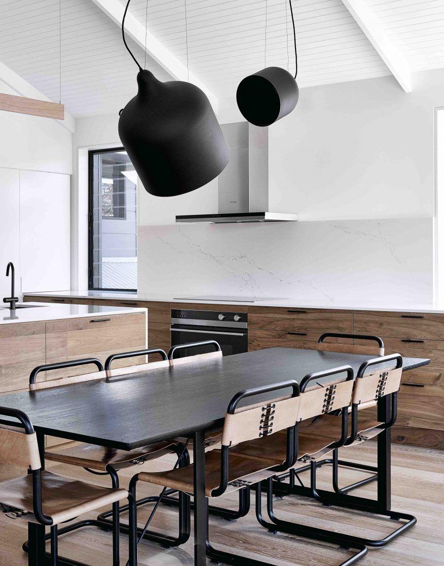 Modernes zen-küchendesign dining room design at dolanus bay residence interior design by we