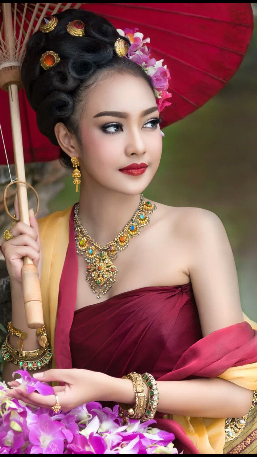 Beautiful Thai Girl In Thai Traditional Costume She Smile -3603