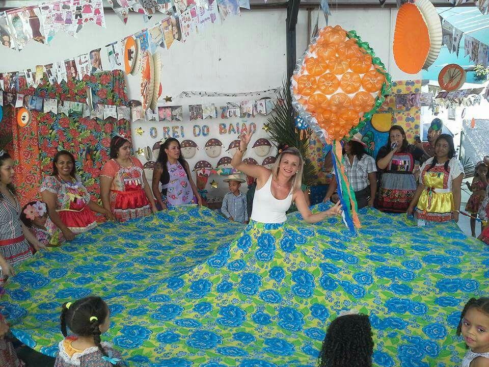 Dança da saia MT massa  Com a turma e as professoras