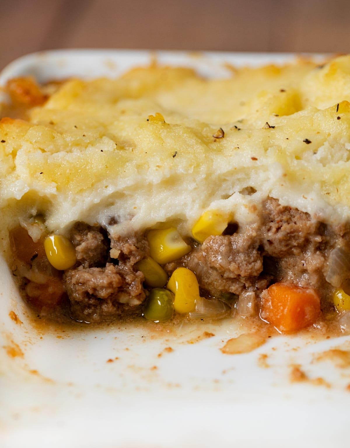 Beef Shepherd S Pie Is A Traditional Dish With Ground Beef Veggies And A Creamy Mashed Potato Topping Di In 2020 Shepherds Pie Beef Recipes Beef Recipes For Dinner