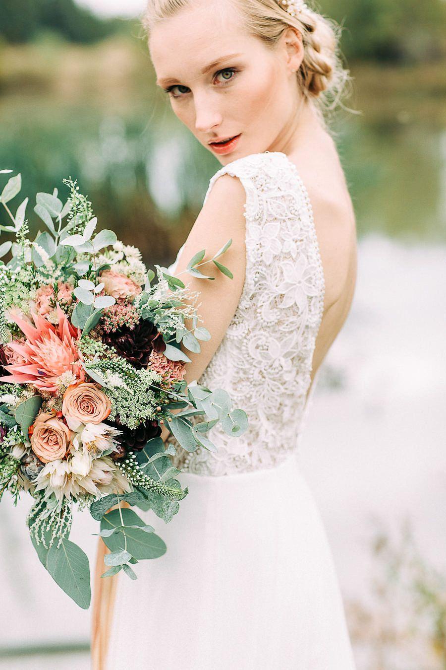 PetraVeikkola_Tuorla_styledshoot(21of192)  / Pictures, Petra Veikkola  // Wedding Dresses, Pukuni //  Hair adornments, Aino // Makeup, me // Models, Wilma Yläjärvi & Mirkka Könnö // Hair, Hanna Julku // Flowers, KukkaFiori )http://monasdailystyle.fitfashion.fi/2016/06/08/wedding-beauty-tips/