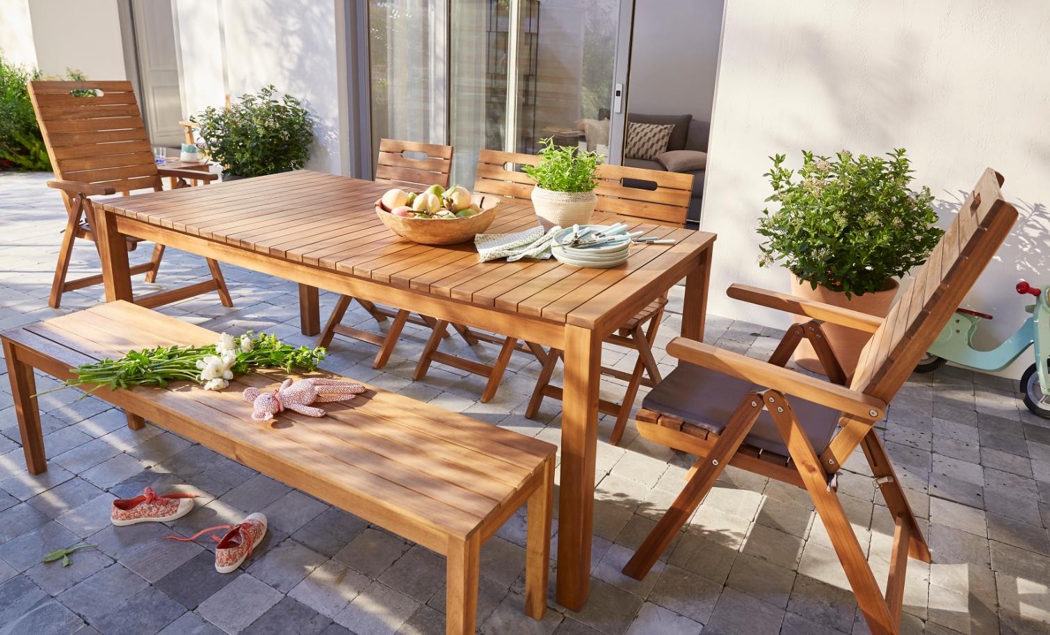 Passez de bons moments dans votre jardin avec cet ensemble ...
