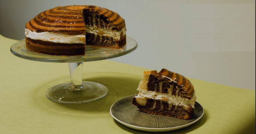 Zebra koláč s broskyňami
