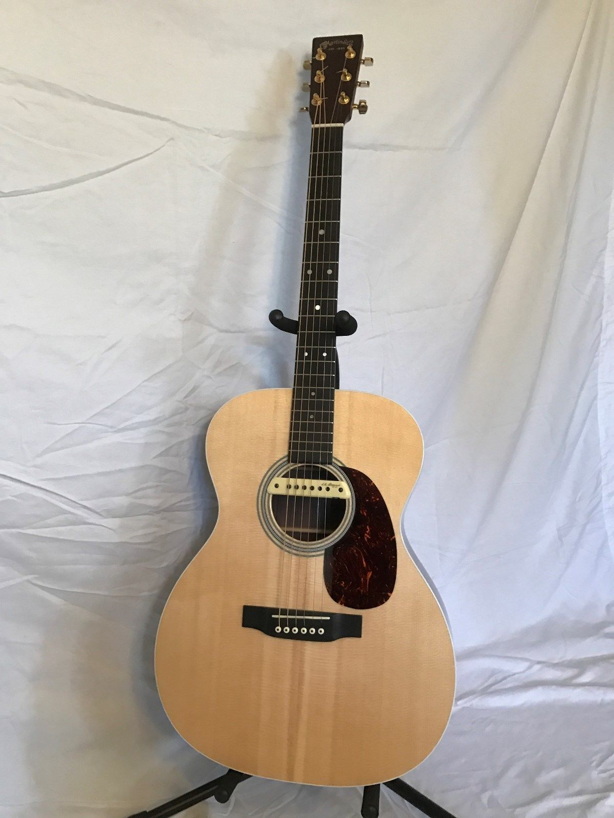 Guitar Martin Custom 000 Mmv Acoustic Guitar With M1a Electronic