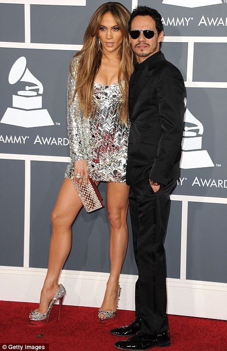 Who is jennifer lopez dating right now