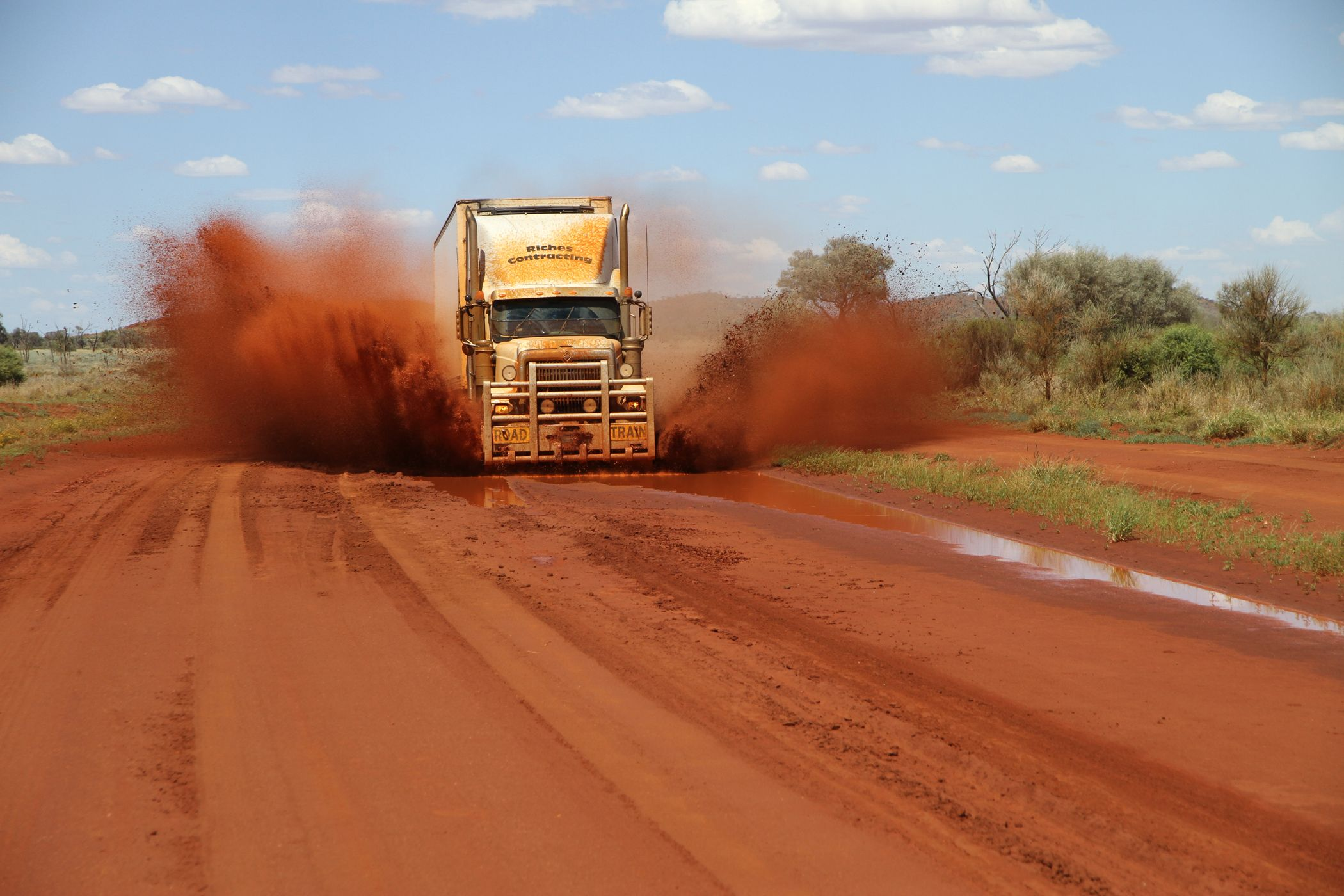 Tv Show Outback Truckers Australia Road Train Wallpaper Outback