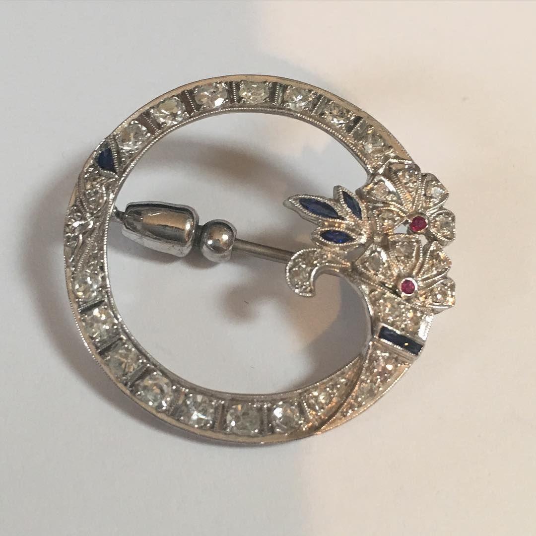 GIA DIAMONDS - 1890's platinum brooch $2600