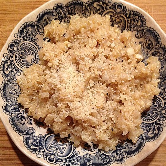 This recipe for gluten free, garlic Parmesan quinoa is fantastic. It tastes a little like gourmet macaroni and cheese.