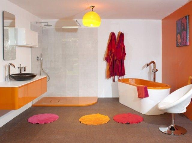 Salle de bain orange rétro / Vintage and orange bathroom   Idée ...