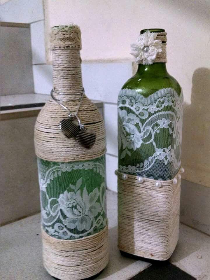 Garrafas decoradas com renda e barbante u2026 Vases Garrafas decoradas, Garrafas e Garrafas de vidro -> Decorar Garrafas De Vidro Com Renda