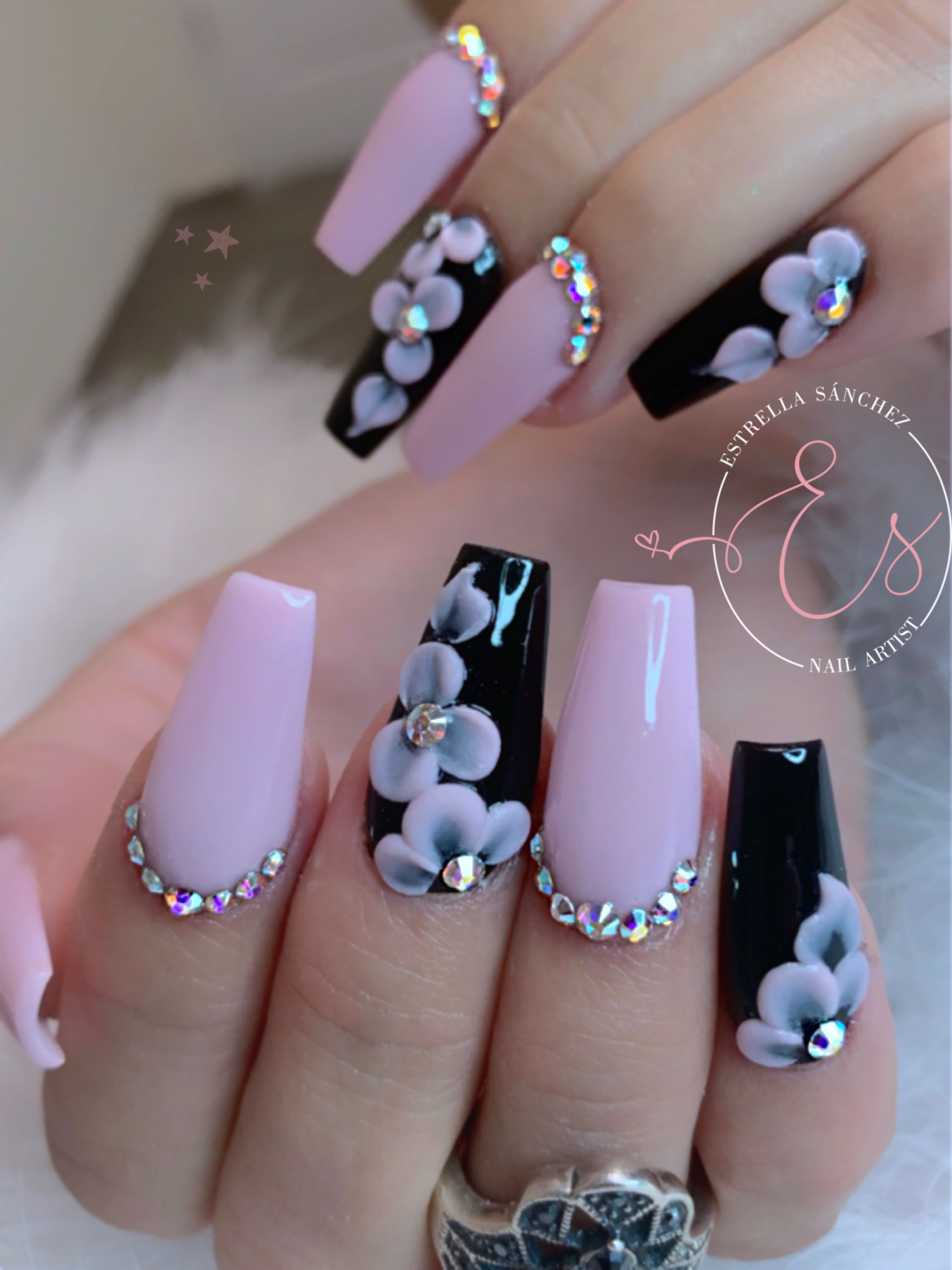 Blacknails Pinknails Acrylicnails Pinkandblack Uñas