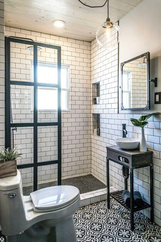 La verri re atelier dans la salle de bains 26 id es for Separation vitree facon atelier