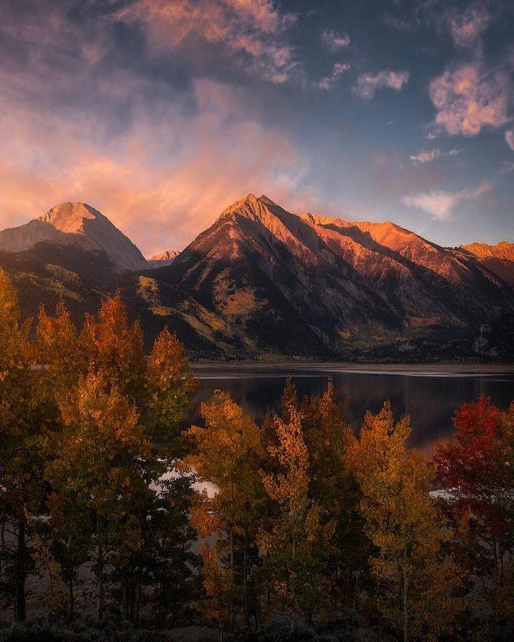Autumn colors during a beautiful sunrise at Twin Lakes, Colorado. [OC] [1000x1249]