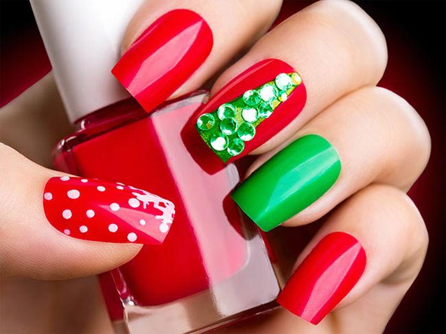 super-red-and-green-nail-paint-art-for-hands | Nail Designs ...