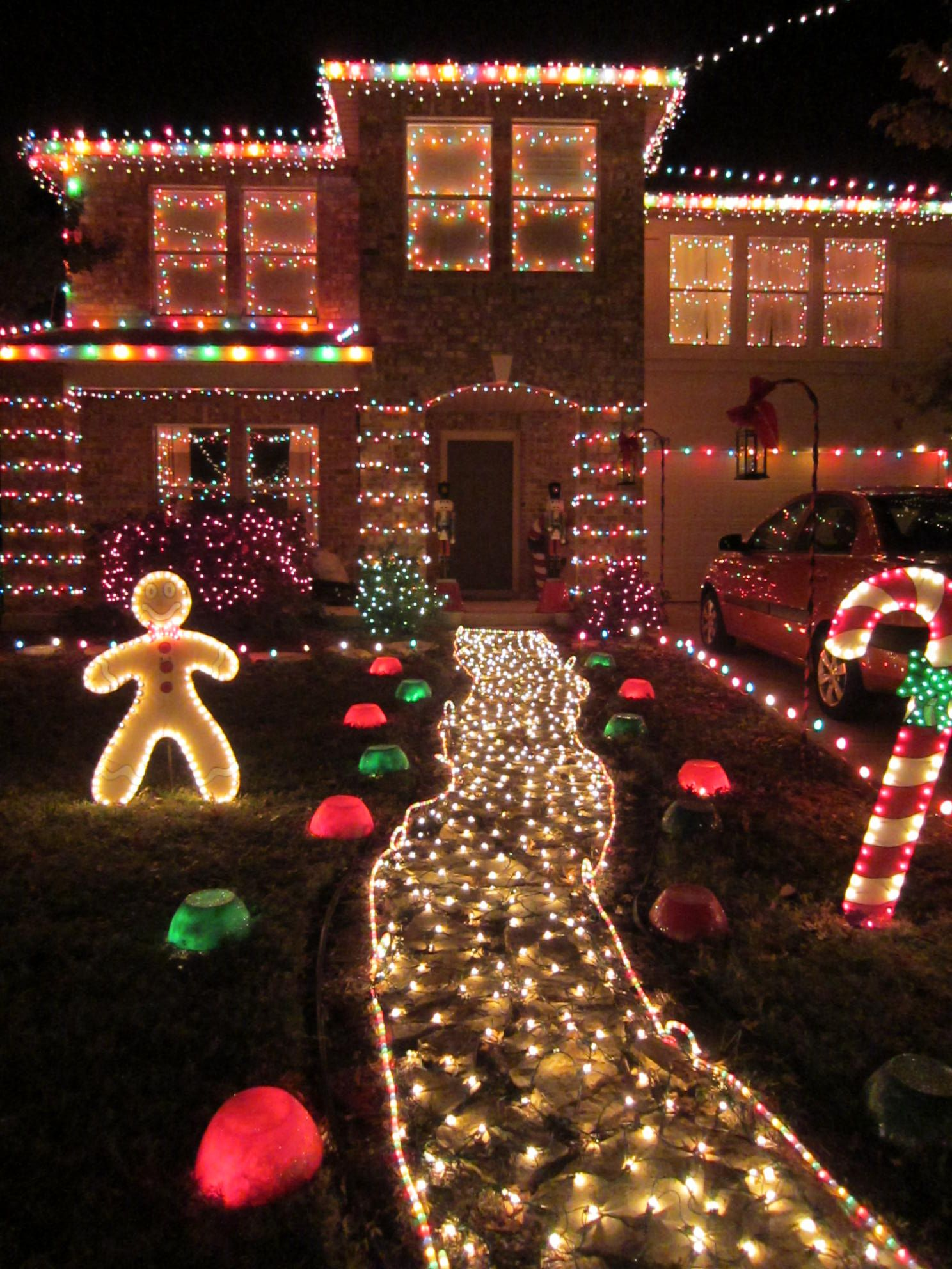 Well Decorated House Outdoor Christmas Lights Christmas Lights Outdoor Christmas