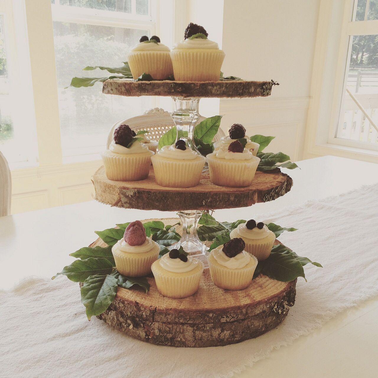 Best 20 rustic cupcake display for wedding cake