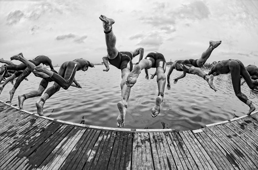 Triathletes Start the Swim at the Super Sprint in