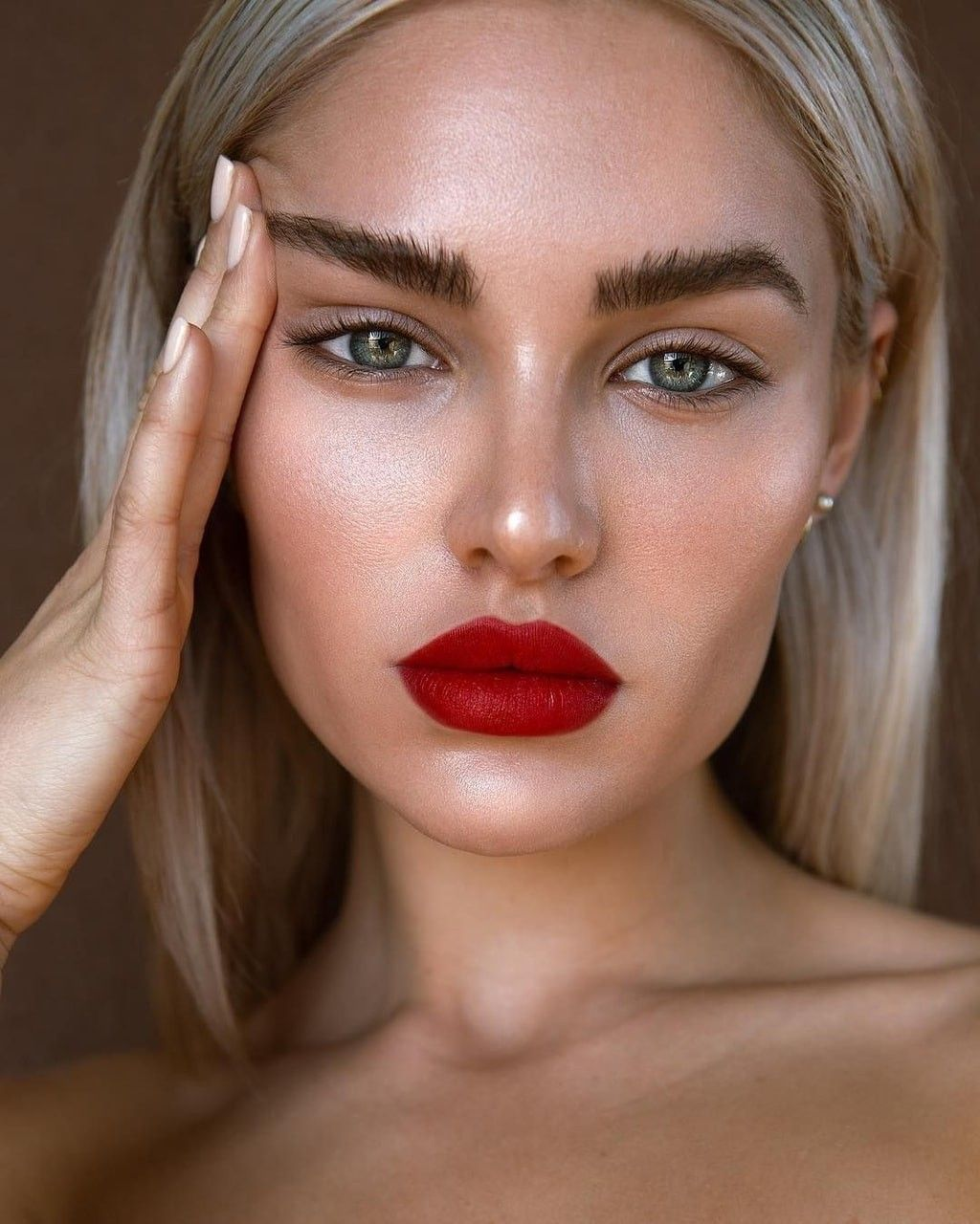 Red Lipstick Mauve Eyeshadow Soft Glam Makeup Looks Simple Date