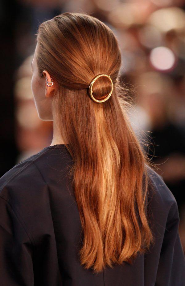 25 ideaa pitkille hiuksille