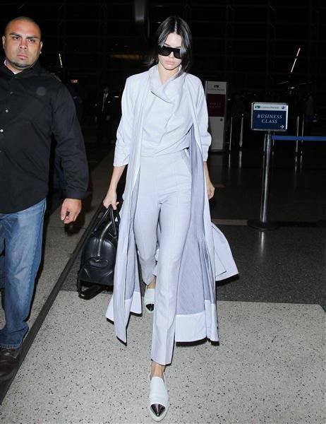 Week in Celebrity Photos - Nov. 16-20 - Week in Celebrity Photos – Nov. 16-20    Kendall Jenner catches a flight to Australia out of LAX I - #AngelinaJolie #BeautifulCelebrities #Cambridge #Celebrity #CelebrityCouples #CelebrityNews #CelebrityPhotos #DuchessKate #DuchessOfCambridge #JasonMomoa #JessicaJung #JulianneMoore #KateMiddleton #KristenStewart #Nov #photos #PrinceGeorges #PrinceHarry #PrinceWilliam #PrincessKate #RoyalWeddings #SalmanKhan #Week #WilliamKate
