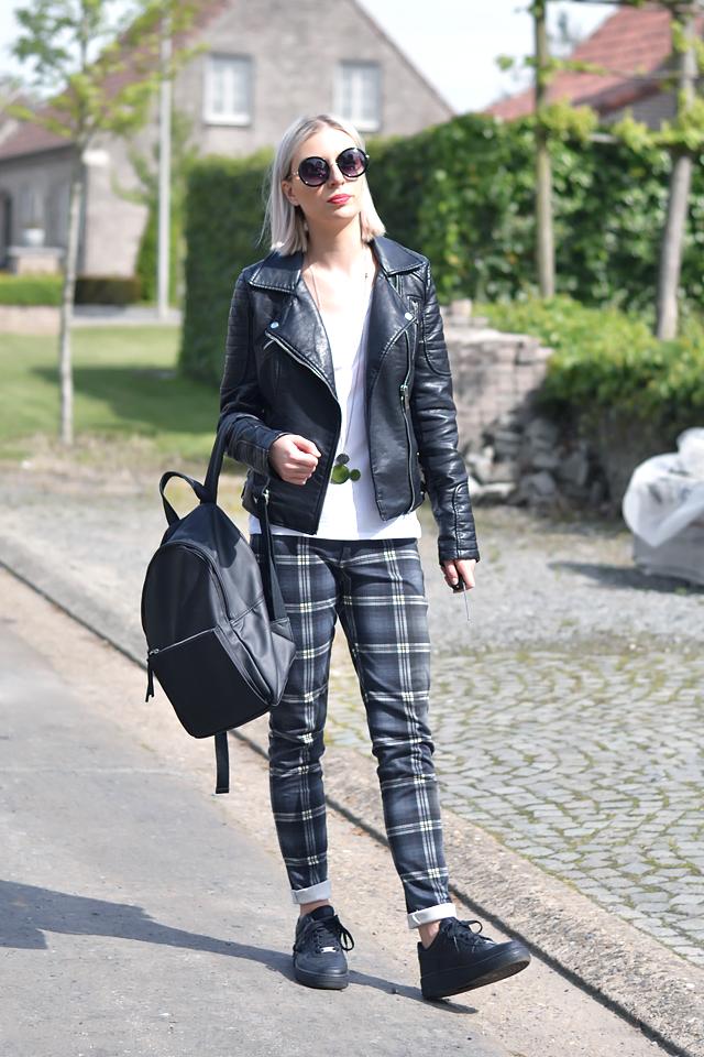 new styles 5f796 6d304 ... Turn it inside out    Tartan black Tartan trousers mango - h m divided  white v ...