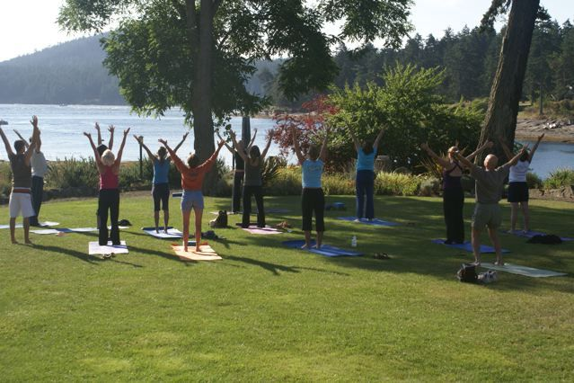 While the guys play golf before the wedding, the bridesmaids can enjoy Yoga