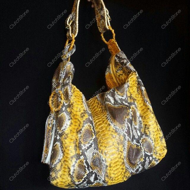 Meliya bag size 38x52cm, suede cloth inside IDR : 2.285.000 free shipping all Indonesia