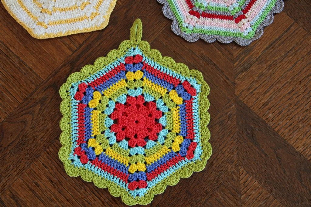 free vintage crochet climbing trellis hexagon pot holder pattern ...