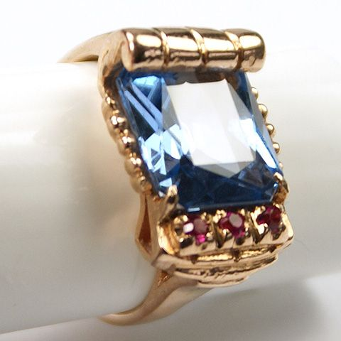 Deco Real Blue Topaz and Rubies 14 Kt Gold Finger Ring