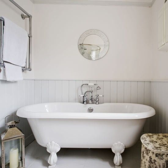 Calming Country Bathroom. Tongue-and-groove Panelling