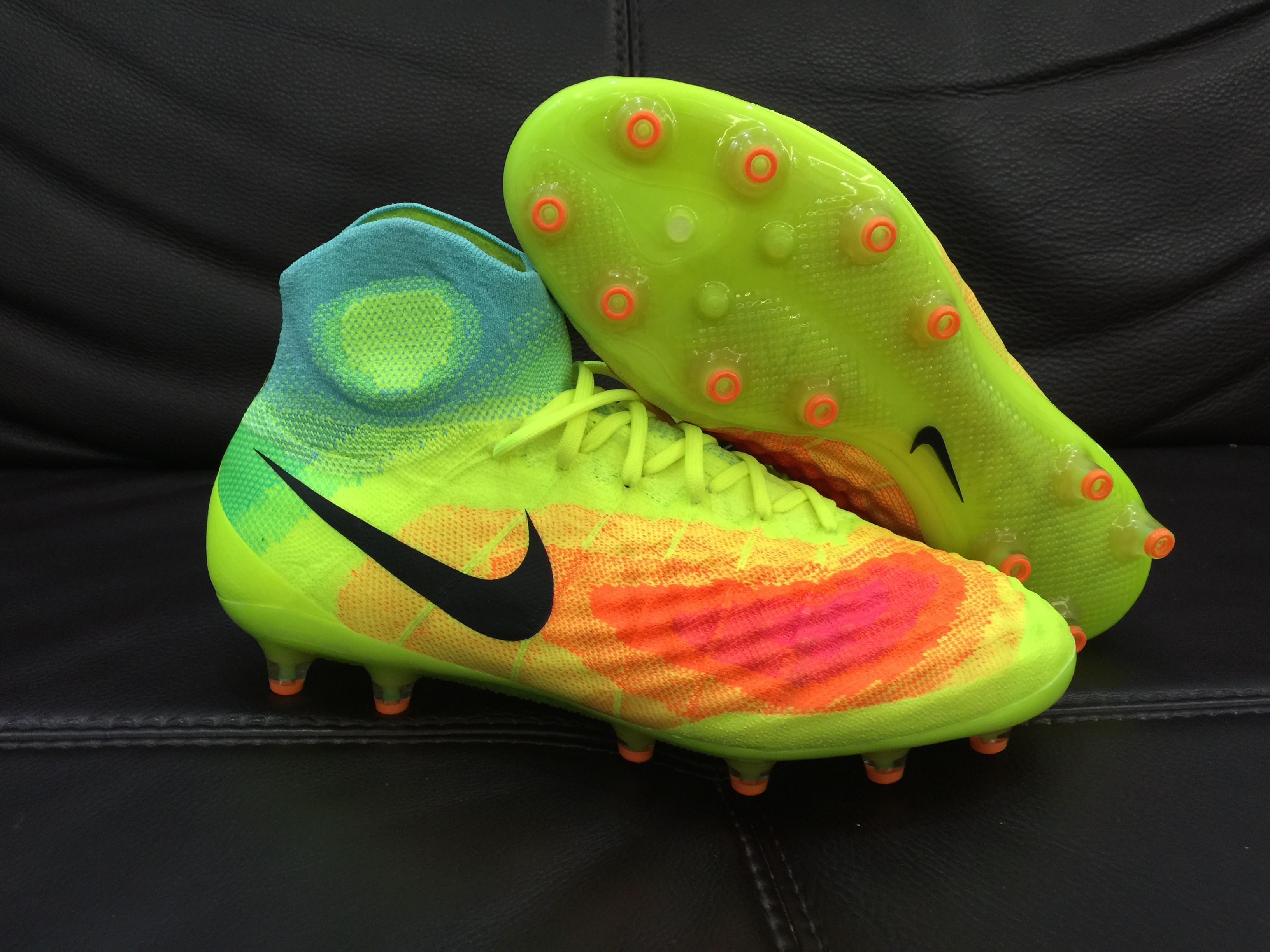 2016-17 all-new Nike Magista Obra 2 soccer boots combine a heightened  collar with a knitted Flyknit upper for a sock-like fit. The new Nike  Magista Obra II ...
