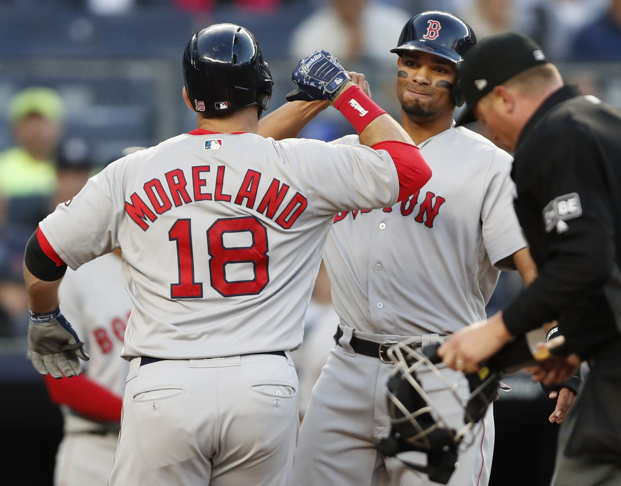 Mitch Moreland Knee Back In Red Sox Lineup Vs Twins Boston Red Sox Red Sox Mooreland