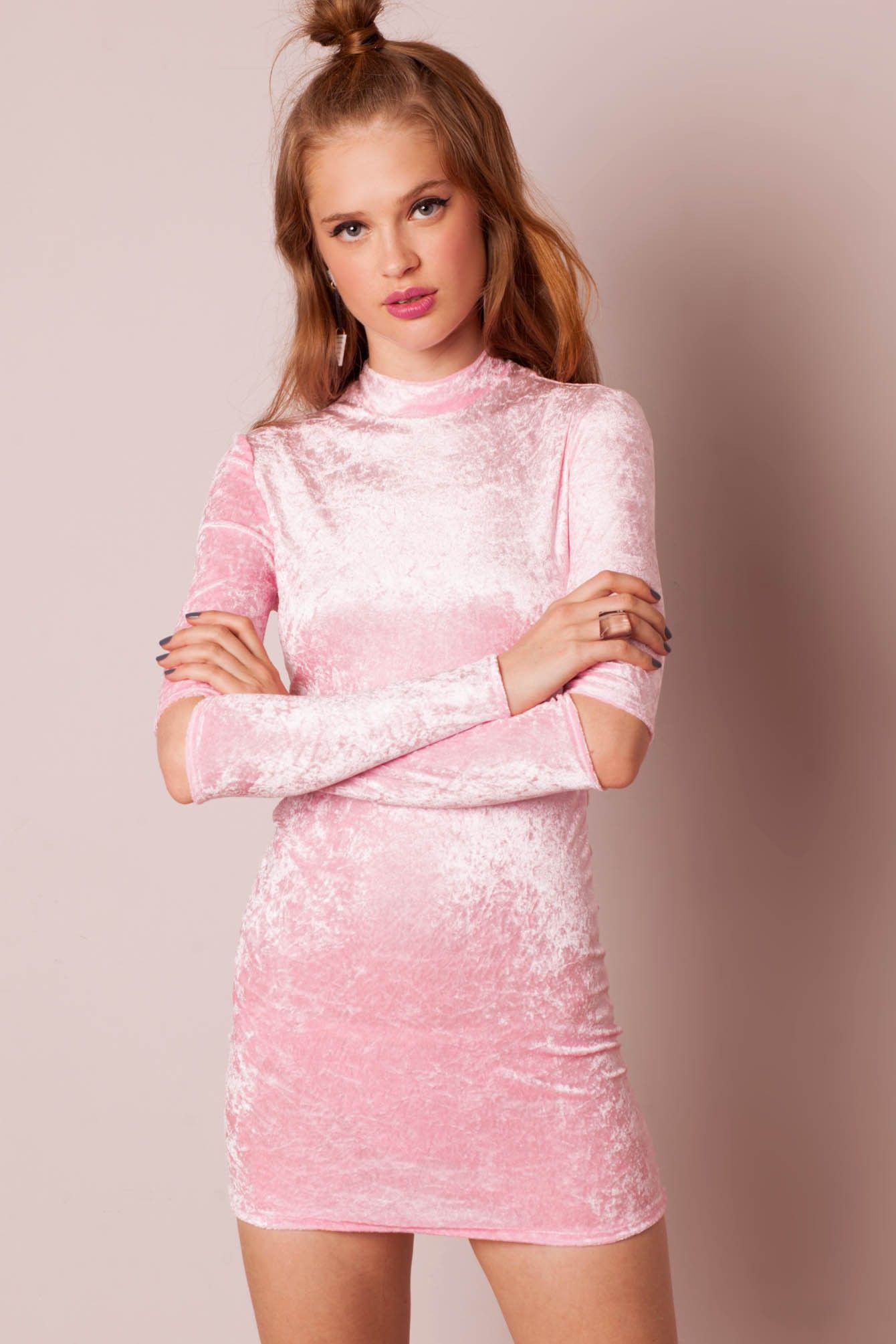 Minivestido terciopelo rosa brillante Cheater by The Ragged Priest ...