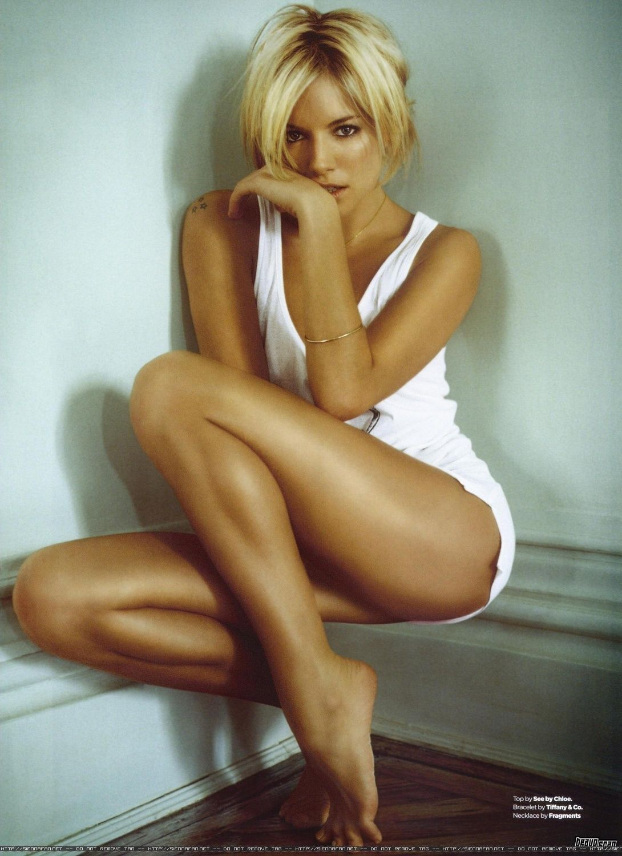 Irina Shayk Cleavage - 7 Photos,Ariel winter sexy 57 Photos XXX pic Whitney johns fitness model,Ivana santacruz butt