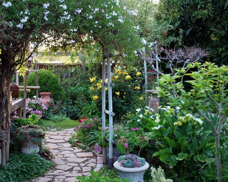 Renee Fraser 39 S Beautiful Southern California Garden Garden Variety Pinterest California