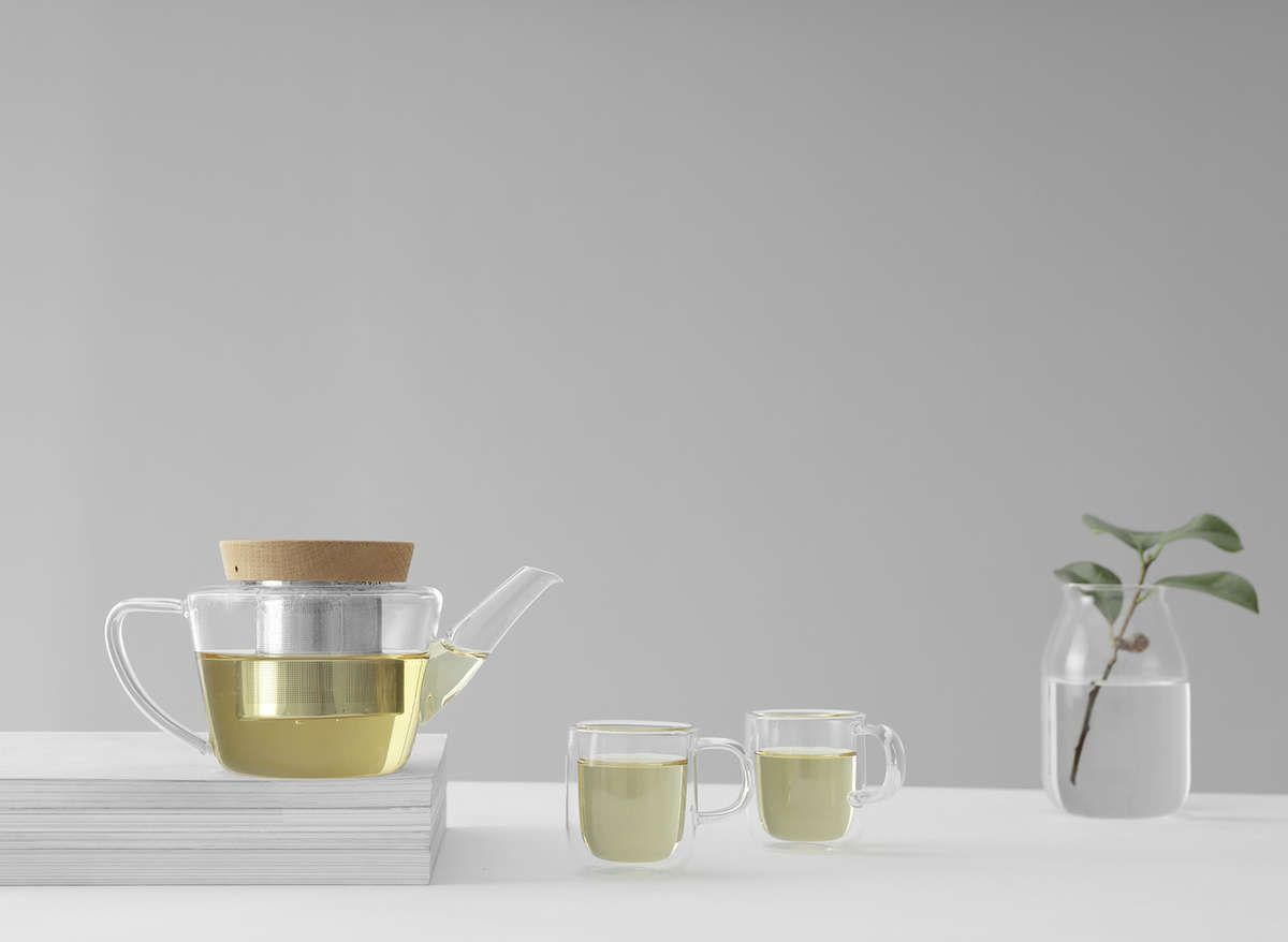 If You Love Your Generously Sized Cups Of Modern Design Glass Tea Cup You Ll Soon Discover That These Requirements Don T In 2020 Glass Teapot Tea Sets Modern Tea Pots