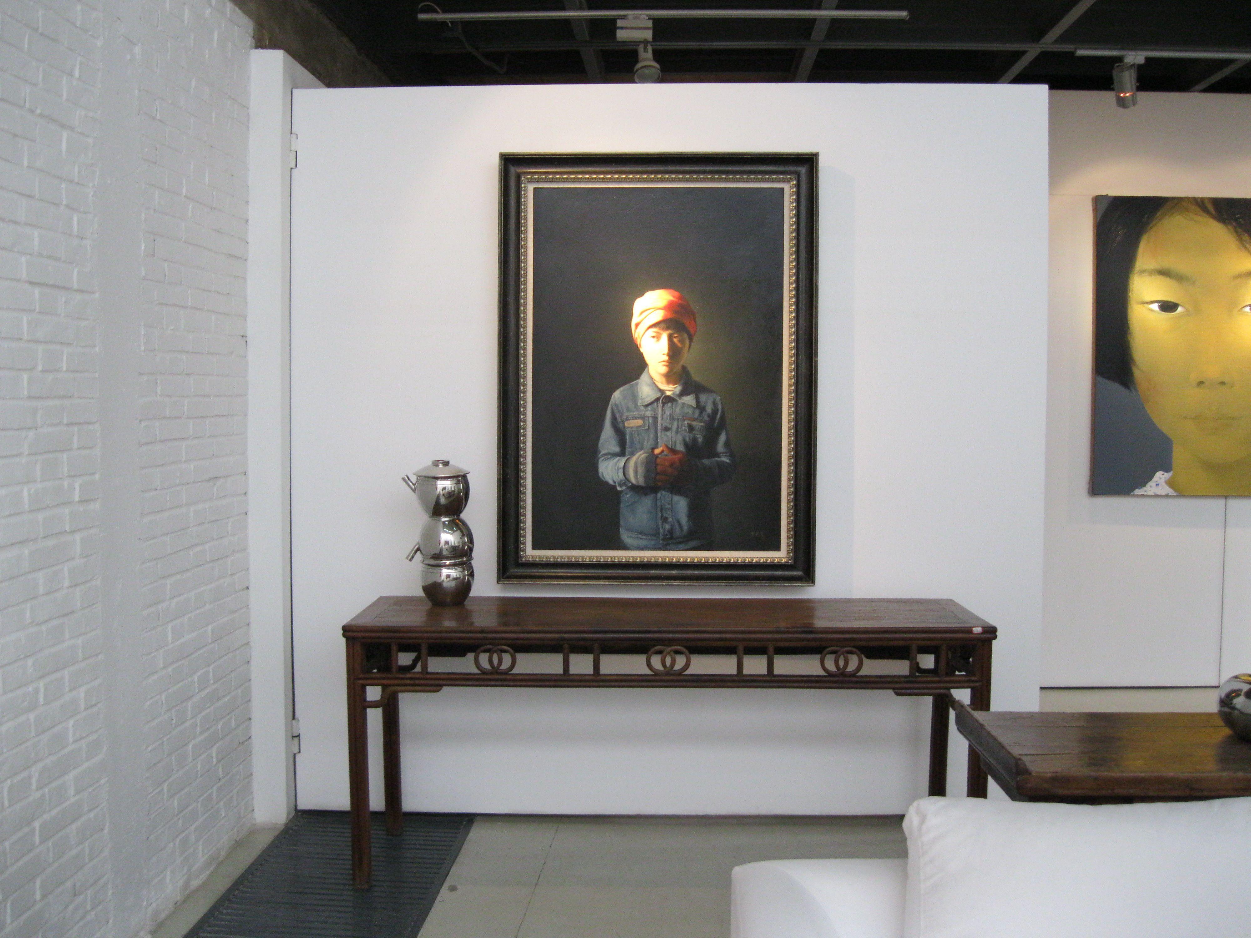 Mixing Antique Furniture And Modern Art Maison Haenle