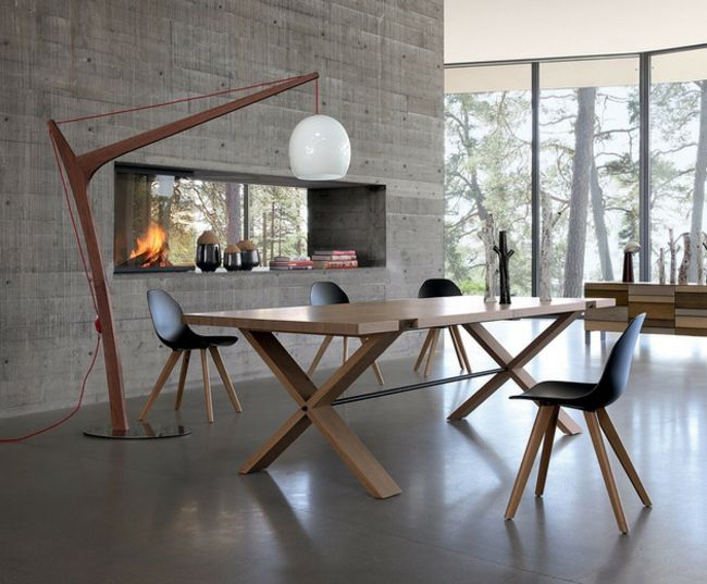 esstisch wohnzimmer kamin stehlampe beton - Wohnzimmer Esstisch