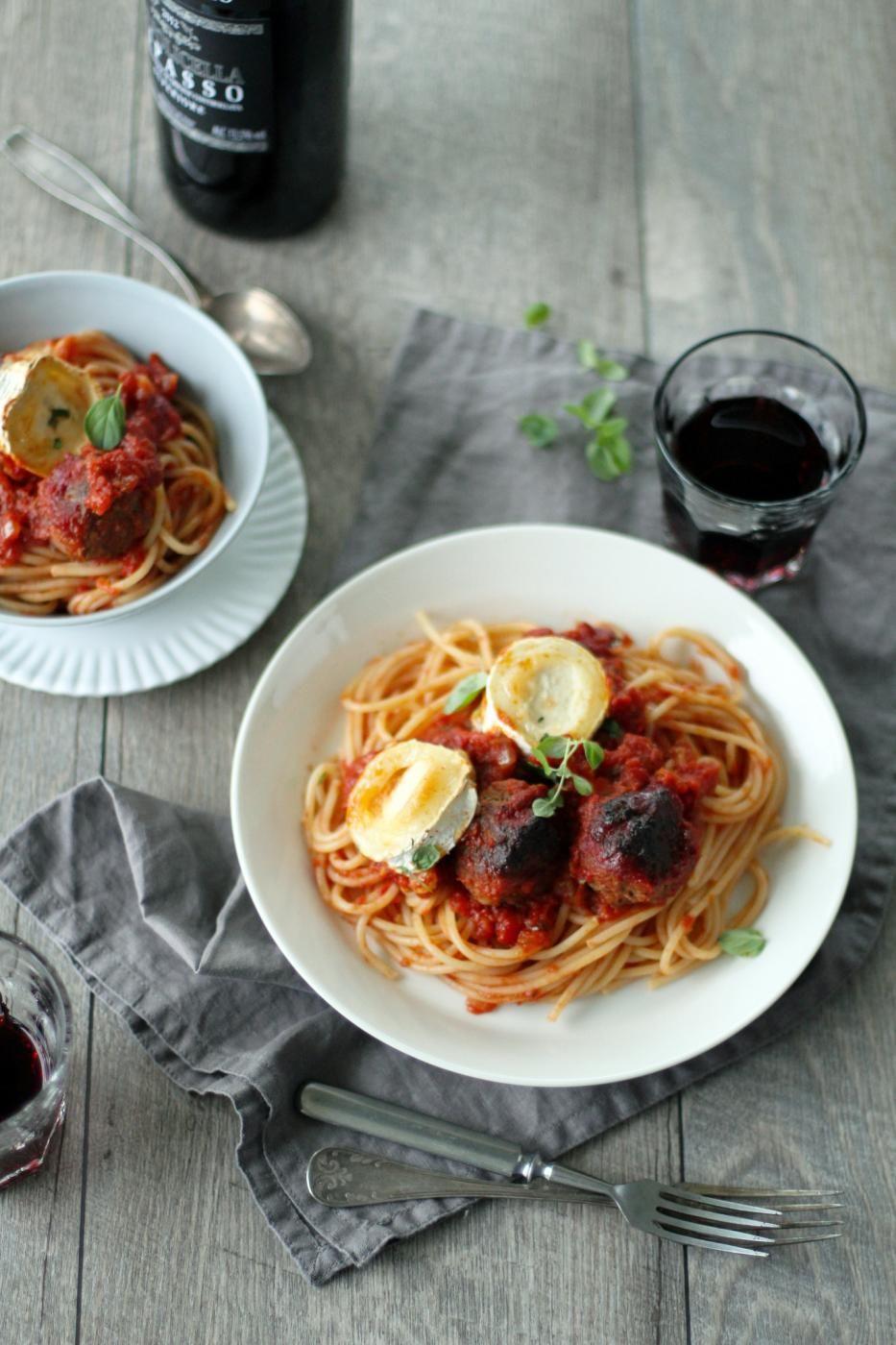 Goat cheese meatball bake and spaghetti   Fanni & Kaneli