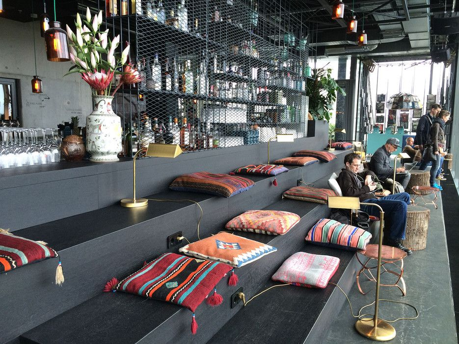 Hotel Rooftop Bars You Can Enjoy In Winter Promyshlennyj Dizajn Interera Dizajn Interera Interer