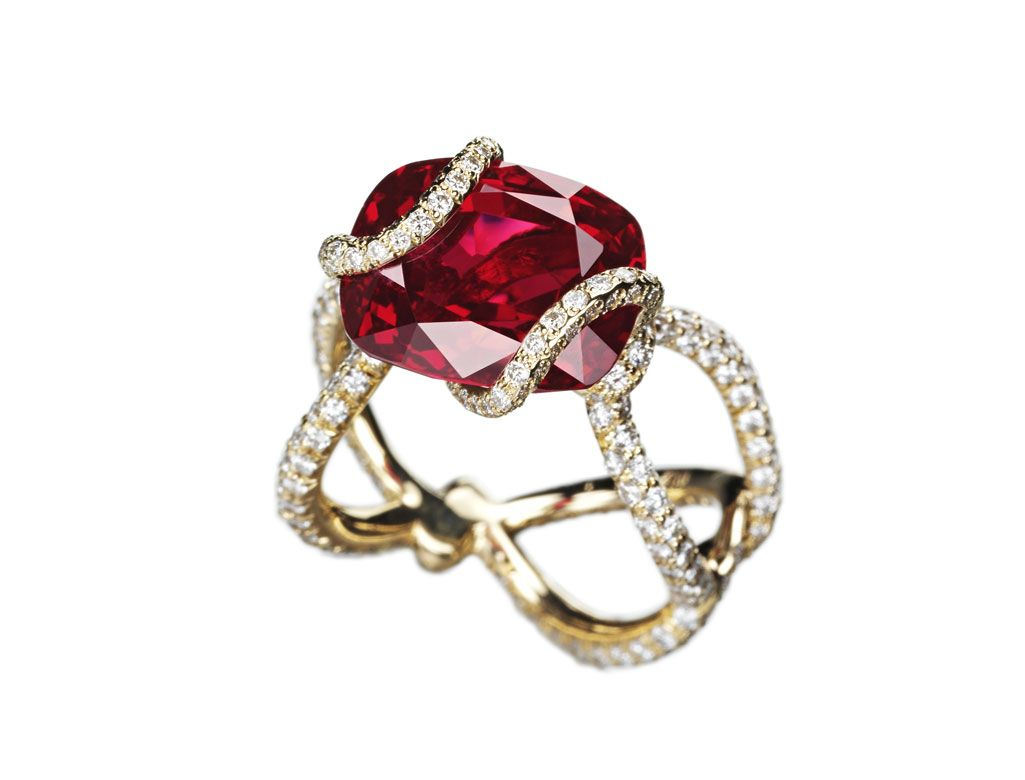 Suzanne Syz Scarlet Fever ring