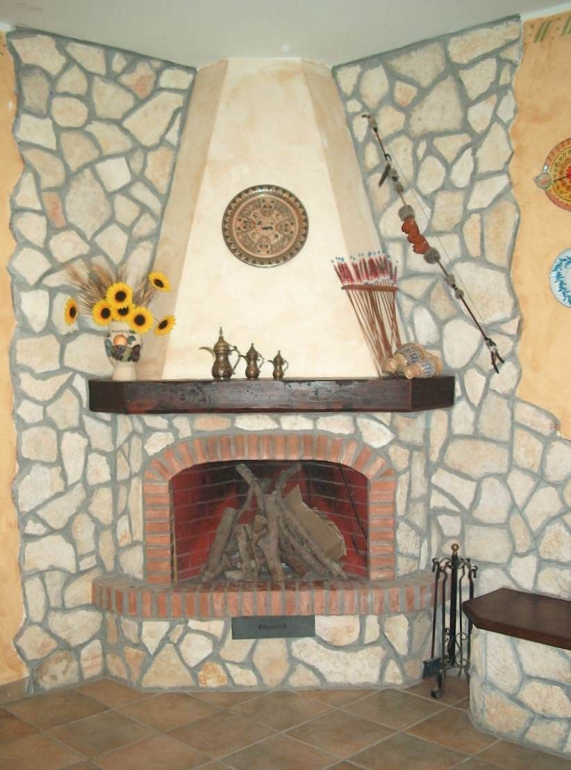 Camini rustici in sasso cerca con google home - Camini rustici in pietra e legno ...