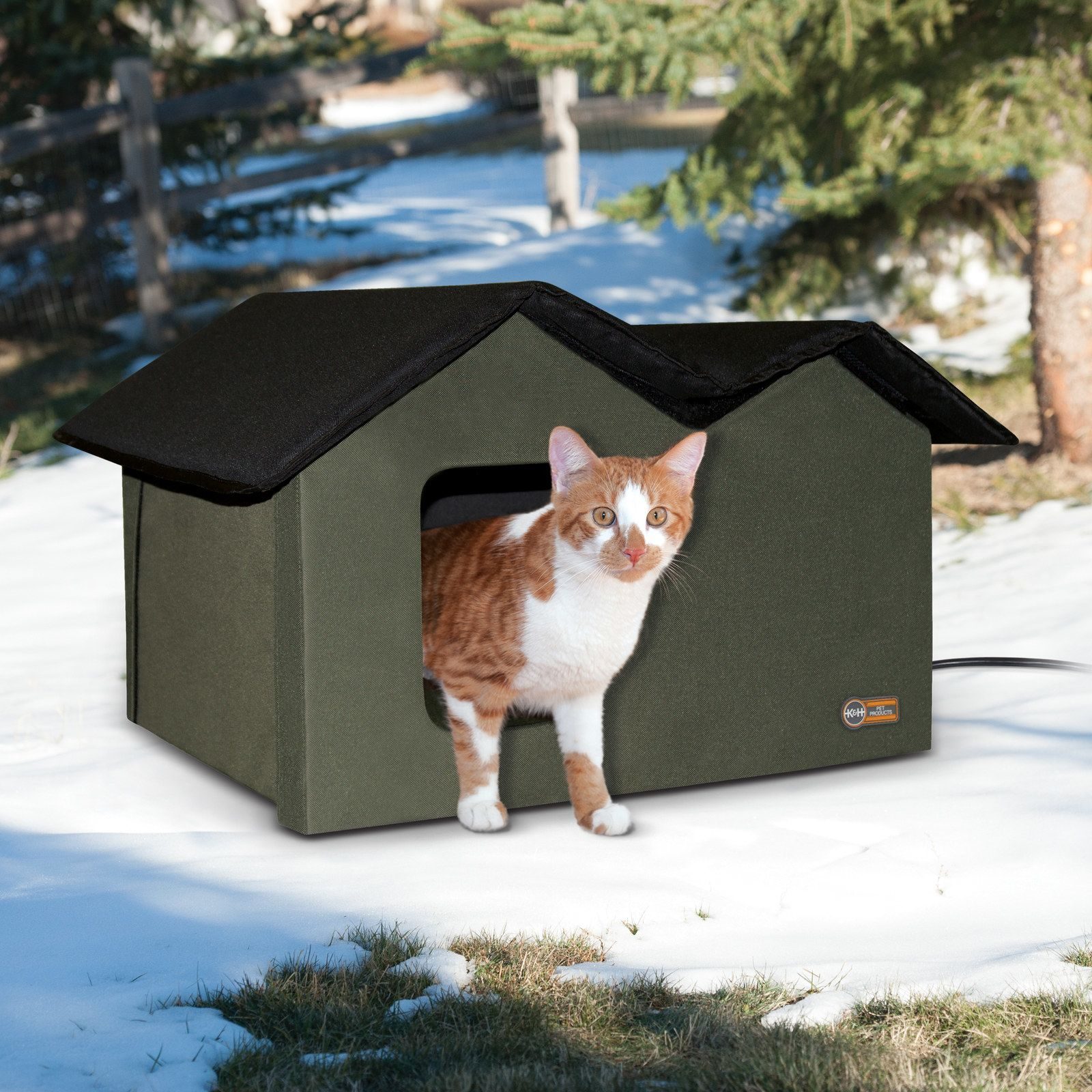 21 Things From Walmart That Ll Make Your Cat Purr With Gratitude Outdoor Cat House Heated Cat House Cat House