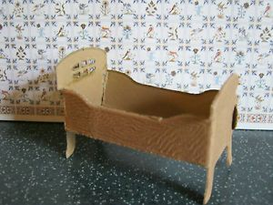 papp bett puppenbett kleines bett aus dem erzgebirge gepr gte pappe pappe gepr gte pappe. Black Bedroom Furniture Sets. Home Design Ideas